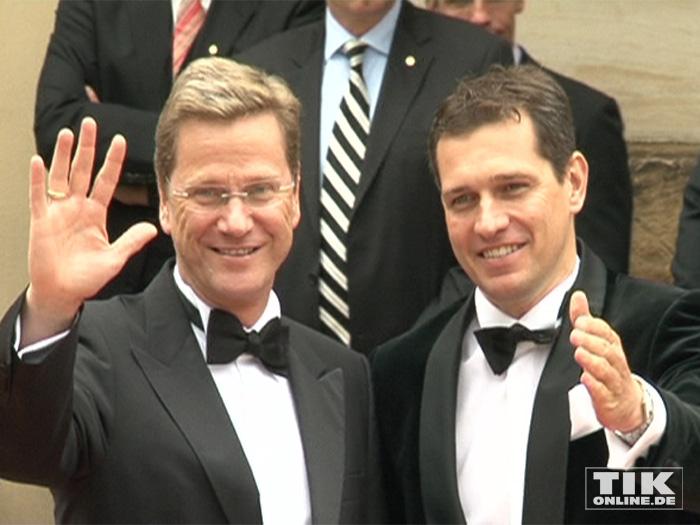 Guido Westerwelle und sein Ehemann Michael Mronz bei den Wagner-Festspielen in Bayreuth