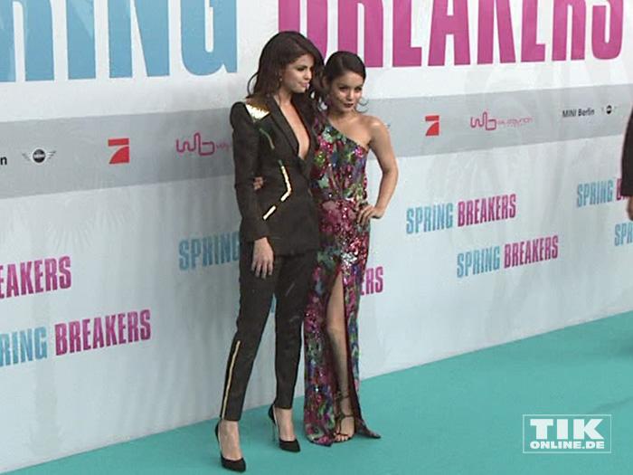 Selena Gomez und Vanessa Hudgens (Foto: HauptBruch GbR)