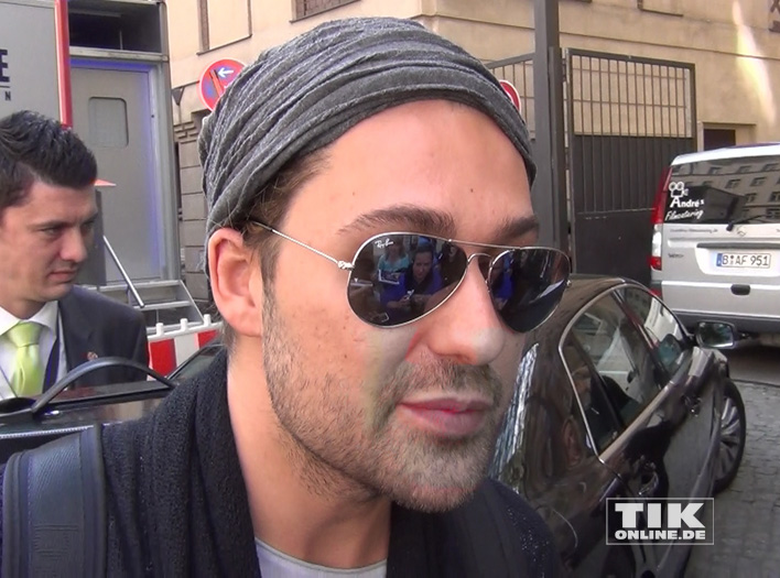 David Garrett mit Sonnenbrille unterwegs