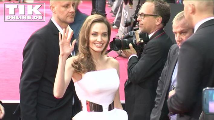 """Angelina Jolie spindeldürr bei der Deutschland-Premiere von """"World War Z"""" in Berlin"""