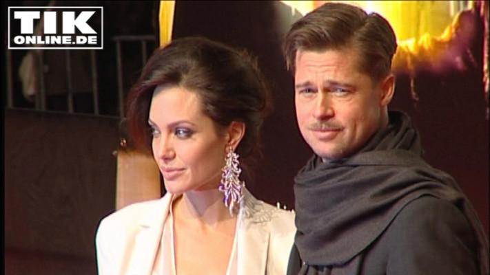"""Angelina Jolie und Brad Pitt 2009 bei der Kino-Premiere von """"Benjamin Button"""" in Berlin"""