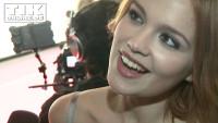 First Steps Awards: Emilia Schüle zeigt sexy Rücken-Dekolleté