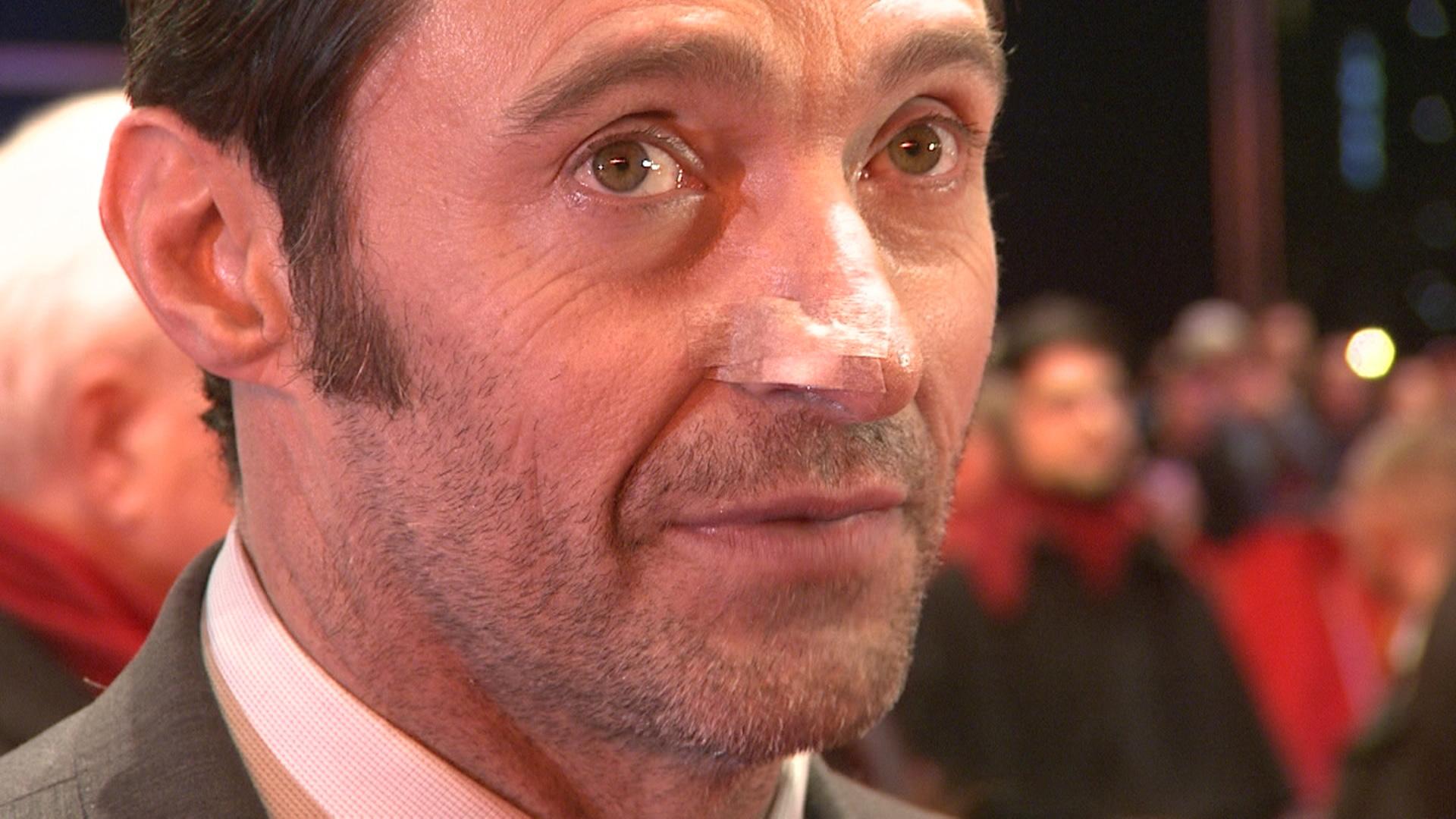 Hugh Jackman mit Pflaster auf der Nase - der hautkrebs ist noch nicht besiegt