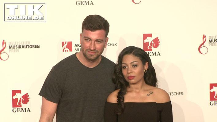 Rapper Materia alias Marten Laciny mit seiner Verlobten Jadu