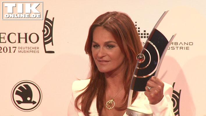 Mal nicht Helene Fischer: Andrea Berg bekam den ECHO 2017 in der Kategorie Schlager