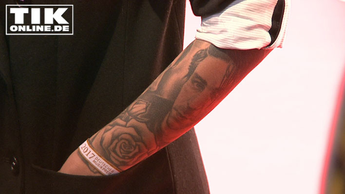 Sophia Thomalla trägt Till Lindemann auf dem Arm - als Tattoo