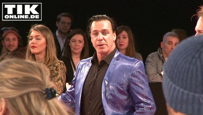 Rammstein-Rocker Till Lindemann ganz in Blau