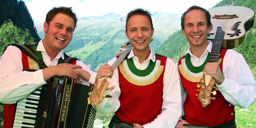 Die jungen zillertaler begl cken fans mit best of album for Die jungen zillertaler