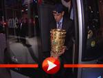Ankunft der Bayern zur geheimen Pokal-Party!
