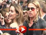 Brad Pitt und Angelina Jolie nehmen ein Bad in der Menge