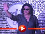 Gene Simmons begrüßt seine Fans im Hard Rock Café Berlin