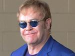 Elton John: Unfreiwillige Rolle rückwärts beim Tennis-Turnier