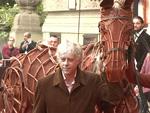 """""""Gefährten""""-Premiere: Bob Geldof mit Pferd am roten Teppich!"""