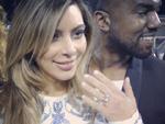Kim Kardashian: Präsentiert stolz ihren Verlobungsring