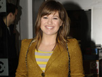 Kelly Clarkson: Meditiert mit Tochter River Rose