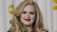 Adele:  Vampir-Attacke bei Konzert