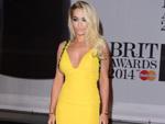 Rita Ora: Liegt im Krankenhaus