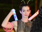 Anne Hathaway: Flachmann sorgt für Stimmung bei den Oscars