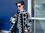 Anne Hathaway fast von Wellen verschluckt: So erlebte es die Schauspielerin