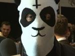 Cro: Der Panda-Mann stürmt die Chart-Spitze