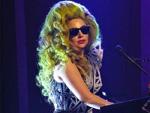 Lady Gaga: Straffe Haut dank Klebeband?