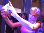 Handy-Premiere: Melanie Müller mag es groß