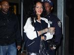 Rihanna: Verteilt Pizza an Fans
