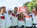 Fan-Meile: Helene Fischer, Andreas Bourani, DJ Ötzi und die Höhner feiern die Weltmeister