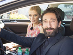 Model am Steuer: Lena Gercke trifft Adrien Brody auf Sardinien