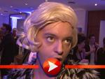 Julian F.M. Stoeckel geht als Blondine auf Männerfang