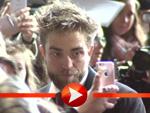 """Robert Pattionson mit Bart bei der Premiere von """"Life"""" in Berlin"""