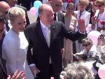 Taufe in Monaco: Fürstin Charlène und Fürst Albert baden im Volk!