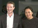 Mark Zuckerberg mit Ehefrau in Berlin: Axel Springer Award für den Facebook-Chef