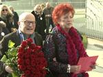 Blumen für Angela Merkel: Prominente feiern die Kanzlerin