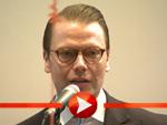 Prinz Daniel von Schweden zu Besuch in der Schwedischen Botschaft in Berlin