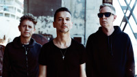 "Depeche Mode: Feiern Comeback mit ""Where's The Revolution"""