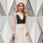Emma Roberts: Stinktier-Kleid für Tante Julia