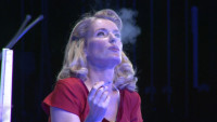 Maria Fürtwängler: Mit Zigarette und fremdem Mann im Arm