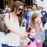 Katie Holmes nahm ihre Tochter mit zur Arbeit