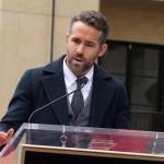Ryan Reynolds: Jake Gyllenhaal kocht besser als Blake!