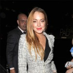 Lindsay Lohan muss selbst ans Steuer