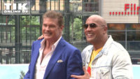"Dwayne Johnson trifft David Hasselhoff – ""Baywatch""-Bademeister rocken Berlin!"