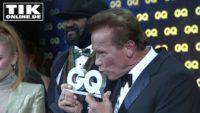 GQ Awards 2017 – Arnold Schwarzenegger total gerührt!