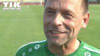Wie in alten Zeiten – Thomas Häßler und Christoph Daum auf dem Fußballplatz!