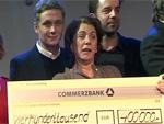 Promi-Auflauf bei Medienboard-Party: Stars zahlen Schecks zurück