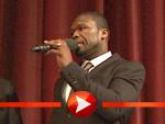 50 Cent aka Curtis Jackson begrüßt sein Premierenpublikum
