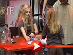 Avril Lavigne bat zur Autogrammstunde