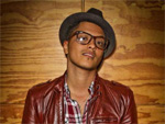 Bruno Mars: Alternativkarriere Moderator