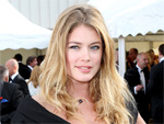 Doutzen Kroes Model: Pumpt Milch