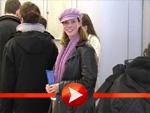 Julia Jäger am Flughafen gesichtet